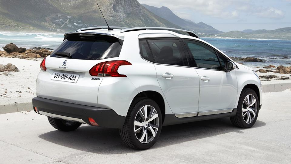 Самый маленький кроссовер Peugeot обновится к весне