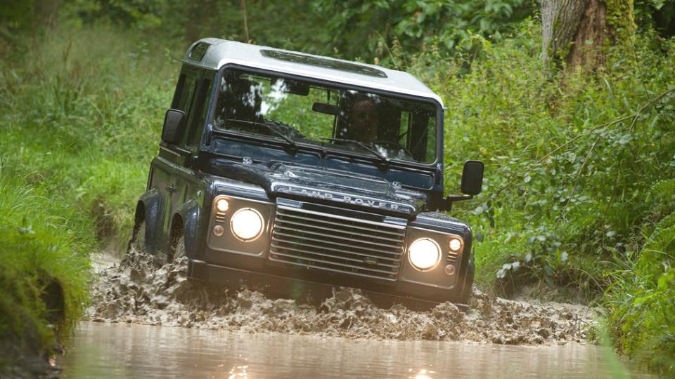 Следующий Land Rover Defender станет пикапом