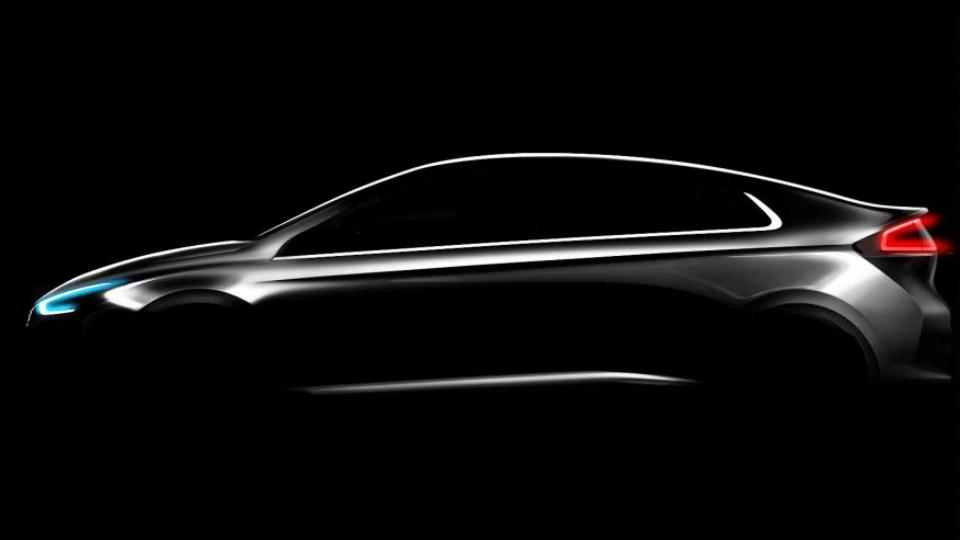 Компания Hyundai показала силуэт новой эко-модели