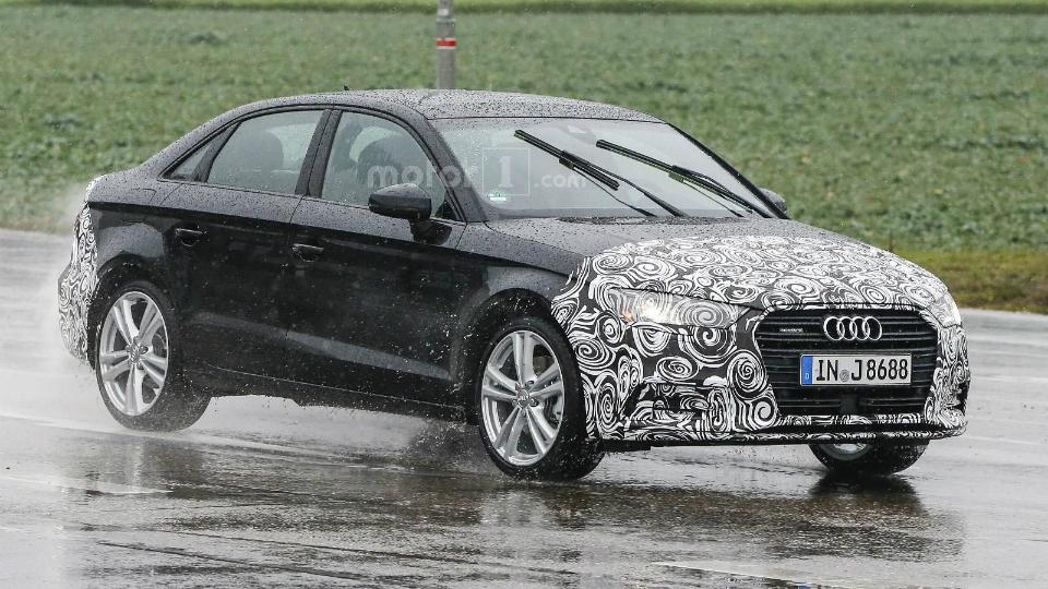 Шпионы сфотографировали обновленный седан Audi A3