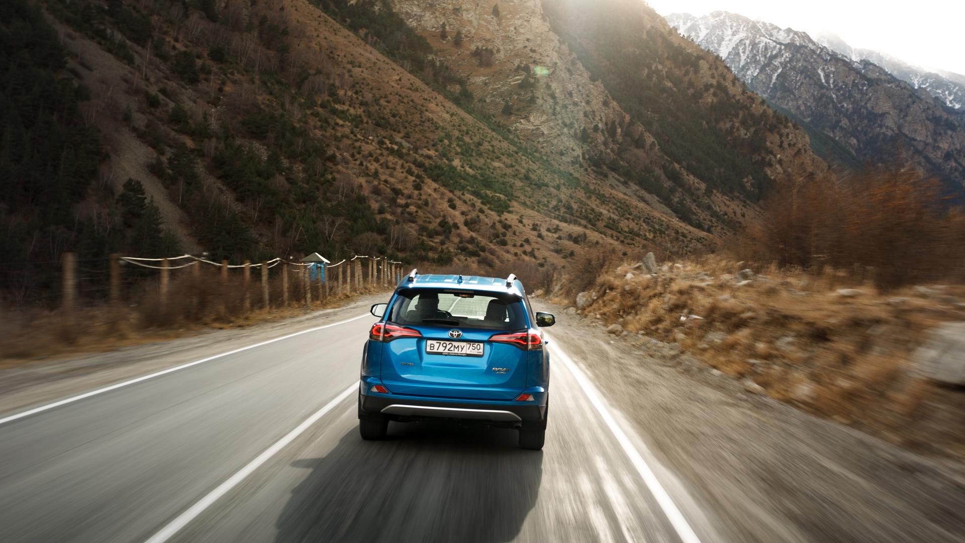 Что изменилось в обновленном Toyota RAV4 и почему у него такой взгляд. Фото 5