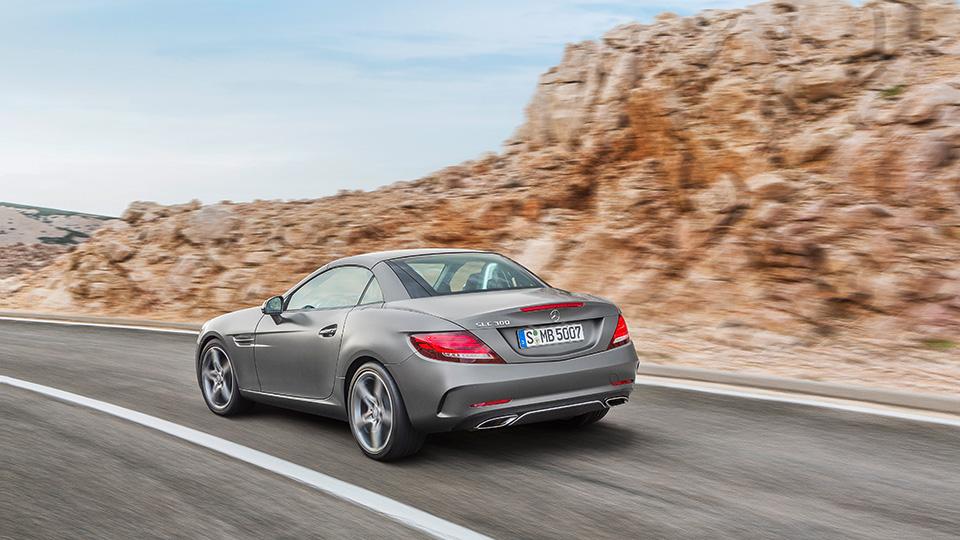 Самый маленький родстер Mercedes-Benz обновился и получил название SLC. Фото 1