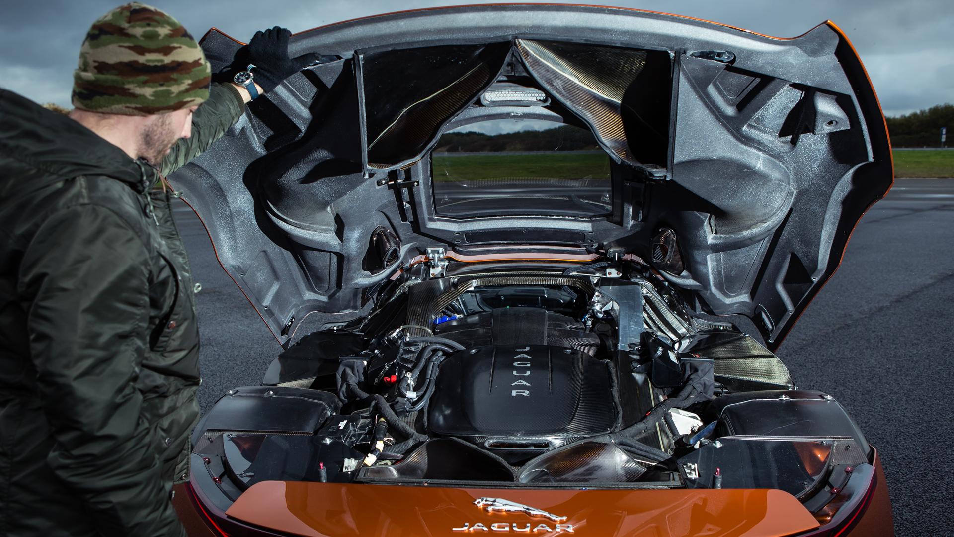 """Тест злодейского Jaguar C-X75 из """"Агента 007: Спектр"""", который так и не попал в серию. Фото 3"""