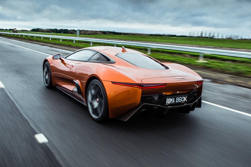 """Тест злодейского Jaguar C-X75 из """"Агента 007: Спектр"""", который так и не попал в серию. Фото 4"""