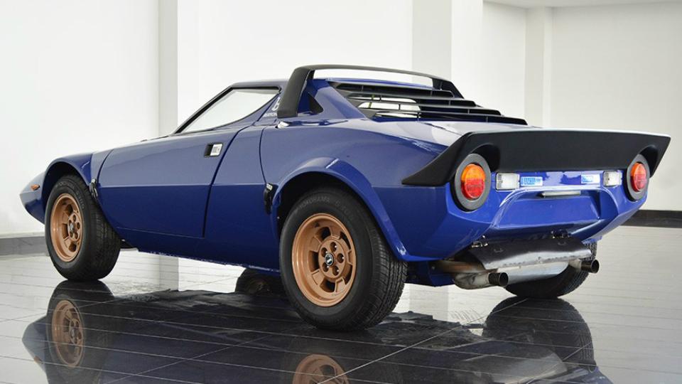 Фирма из ОАЭ выставила на продажу купе Stratos 1976 года. Фото 1