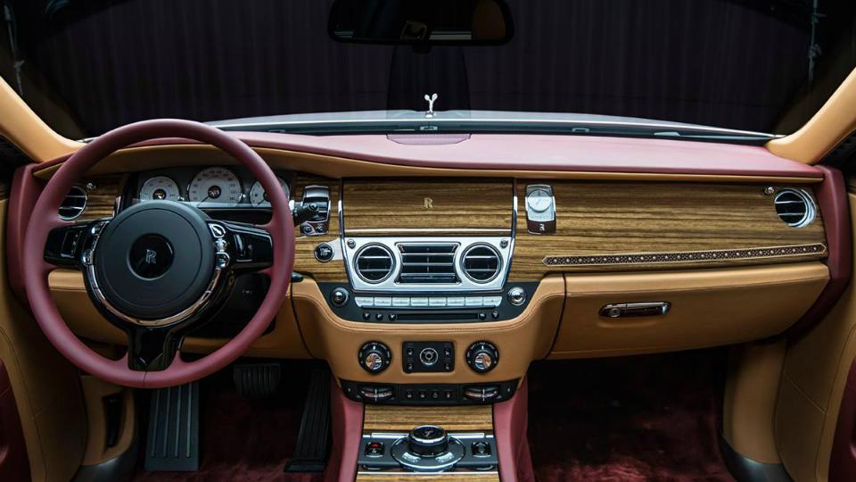 Британская марка построила в единственном экземпляре особый седан