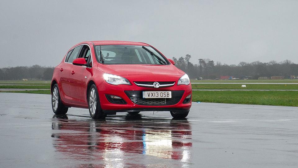 «Бюджетную машину» из Top Gear продали на онлайн-аукционе