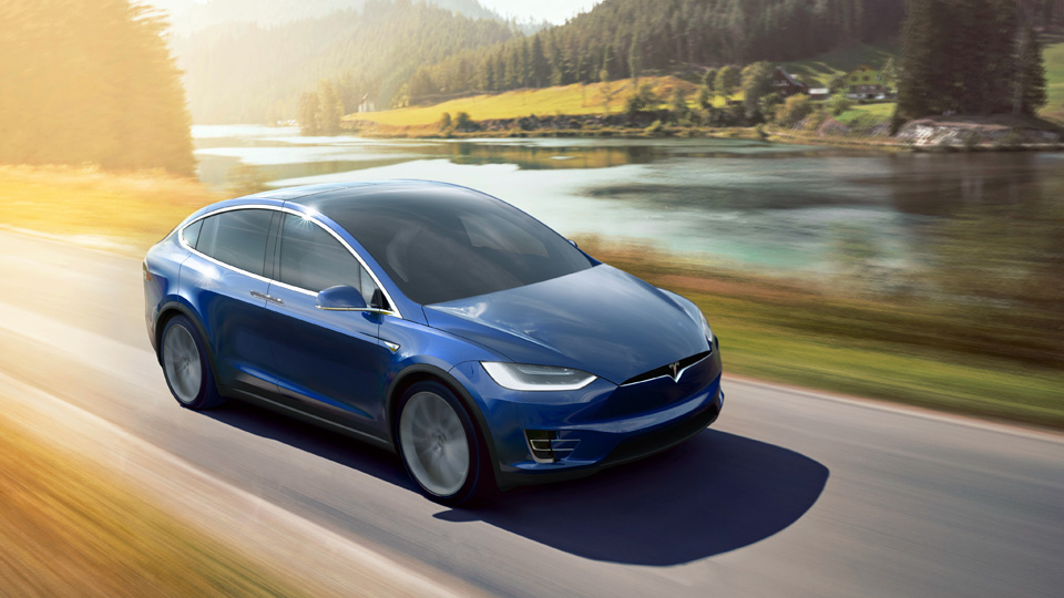 Компания Tesla отчиталась о продажах за последний квартал 2015-го