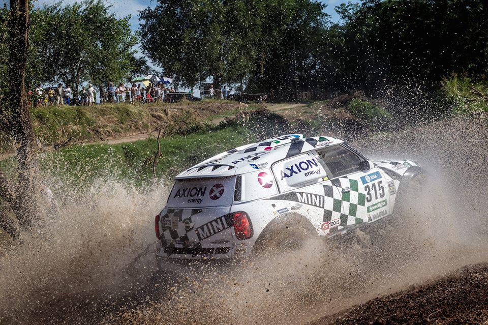 Девятикратный чемпион WRC возглавил зачет после 387-километрового участка