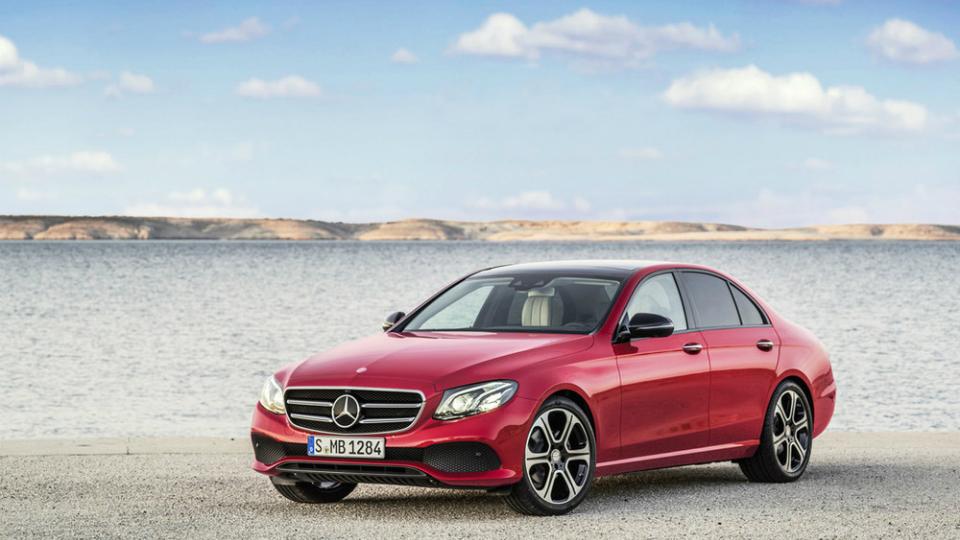 Внешность нового Mercedes Benz E-Class раскрыли за неделю до премьеры