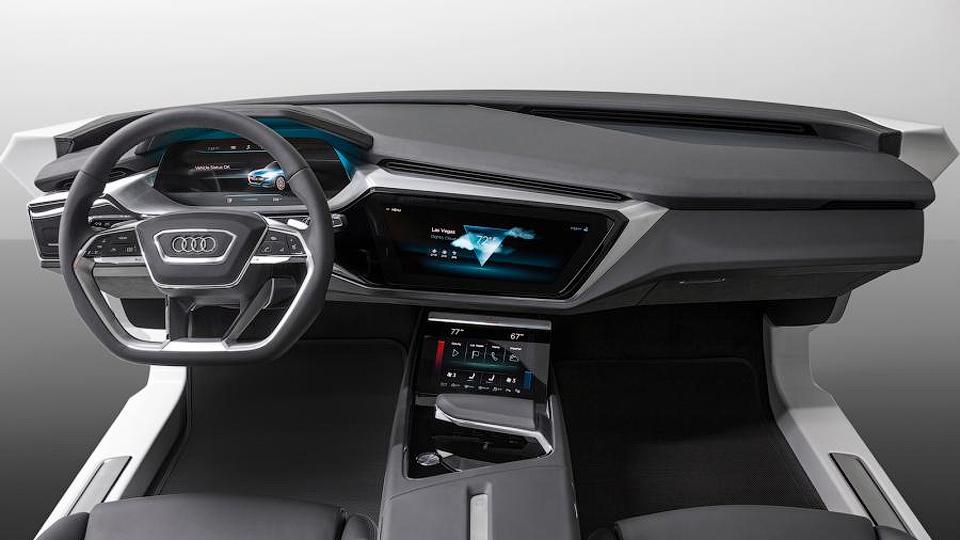 Компания представила концепт автомобильного интерьера будущего