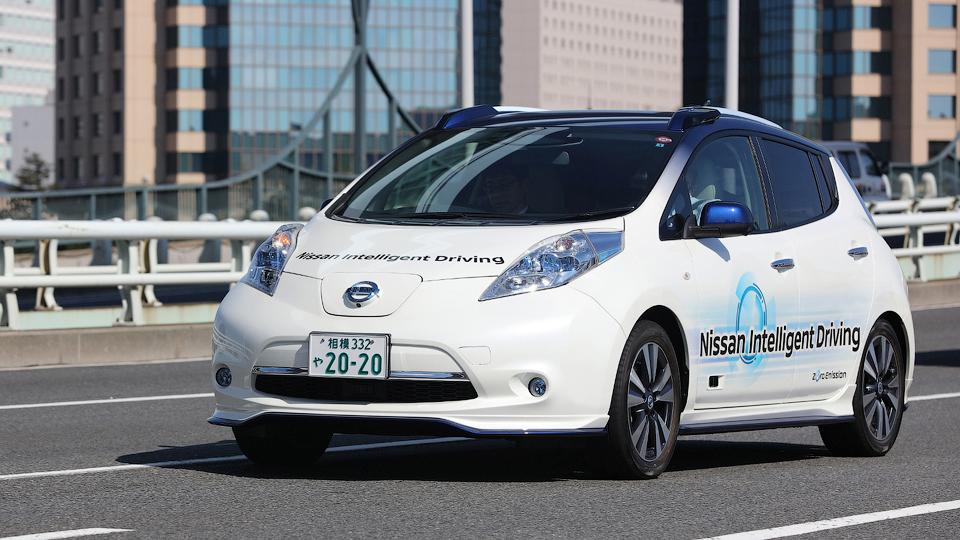 Renault и Nissan выпустят 10 массовых моделей с автопилотами