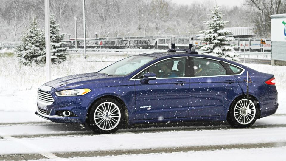 Ford начал испытания автопилота в зимних условиях