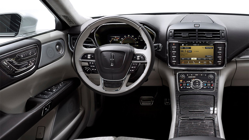 Lincoln Continental получил уникальные дверные ручки. Фото 1