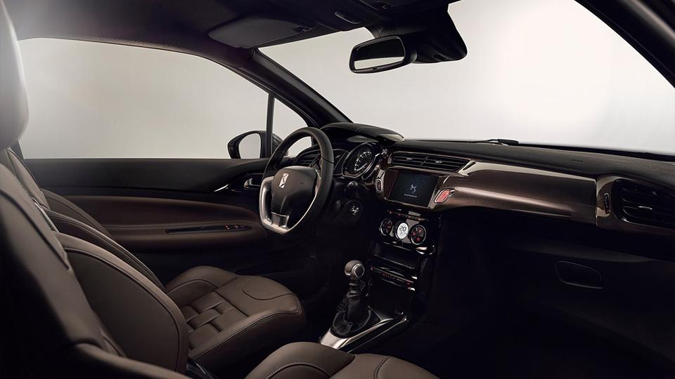 Модели получили измененную внешность и поддержку Apple CarPlay. Фото 1