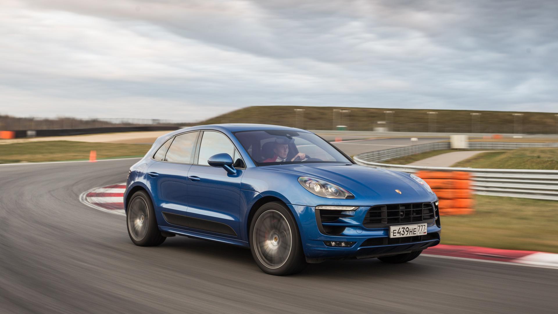 Насыщенный тест всех версий Porsche Macan и Cayenne в трех стихиях – на шоссе, треке и бездорожье. Фото 3