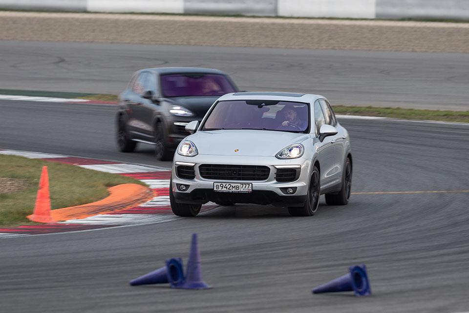 Насыщенный тест всех версий Porsche Macan и Cayenne в трех стихиях – на шоссе, треке и бездорожье. Фото 5