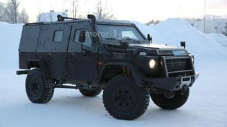 В Альпах тестируют легкий броневик на базе Mercedes-Benz G-Class. Фото