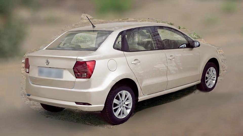 Volkswagen будет продавать в Индии укороченный седан Polo