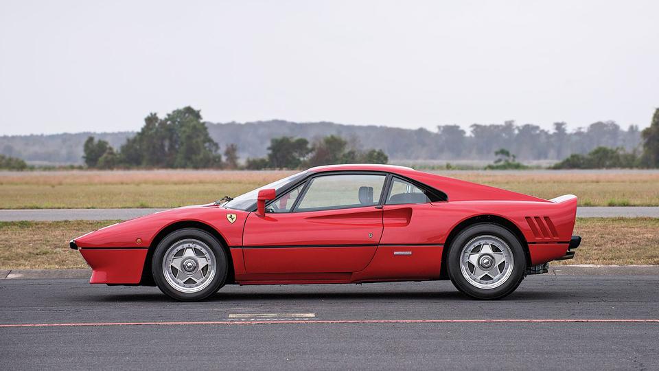 Модель 288 GTO 1985 года продадут на аукционе RM Sotheby's