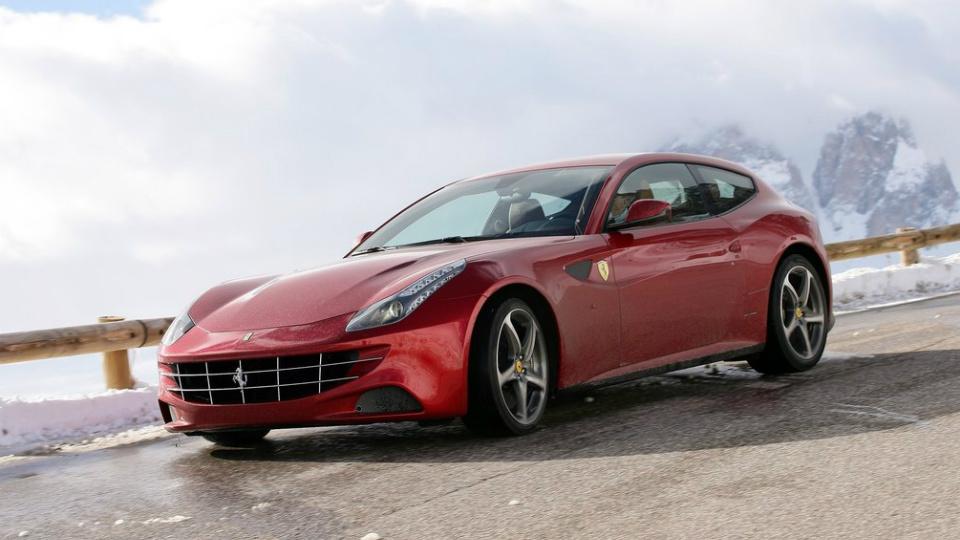 Ferrari привезет в Женеву обновленный суперкар FF