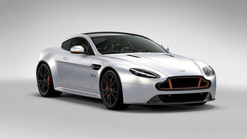 Aston Martin посвятил особый спорткар британской пилотажной группе