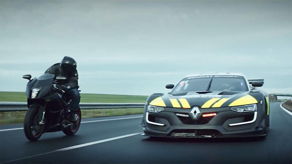 Гоночный «Рено» с мотором от Nissan GT-R превратили в машину полиции