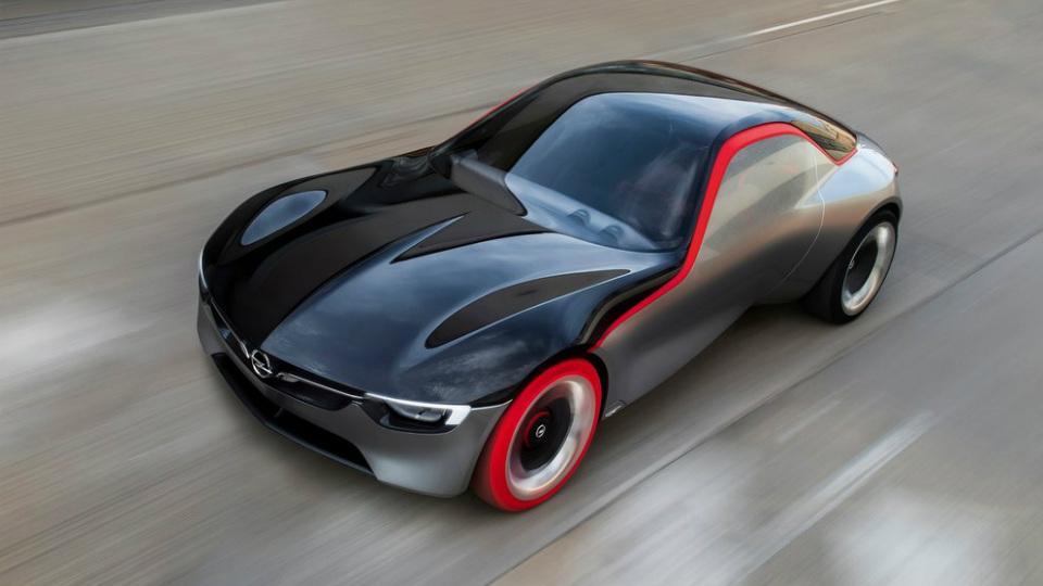 Opel GT выпустили в честь одноименной классической модели 60-х годов