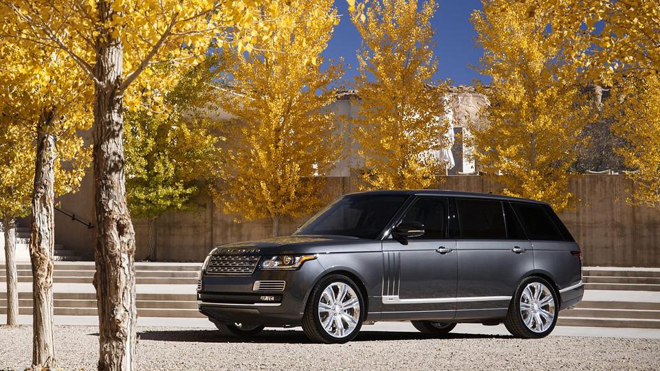 Land Rover предложил отправиться в кругосветку на «Рейндж Роверах»