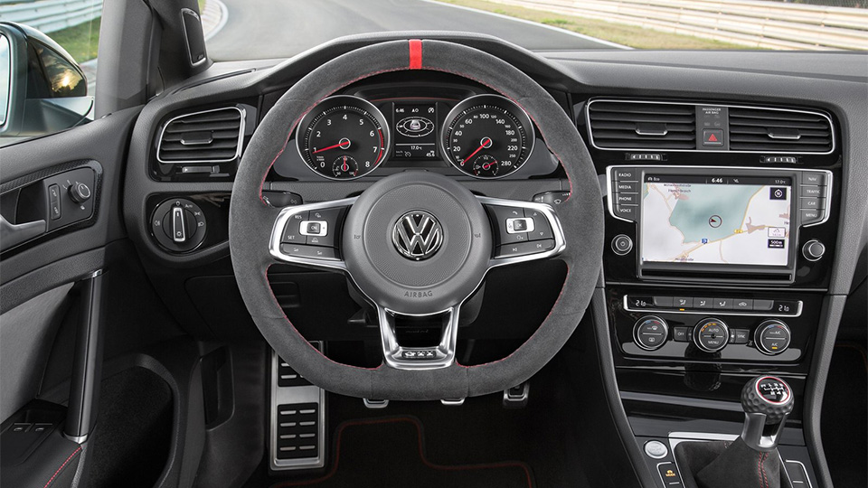 Volkswagen разрабатывает трековый хэтчбек. Фото 2