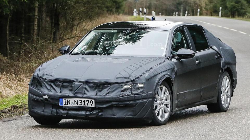 Volkswagen вывел на тесты новый большой седан
