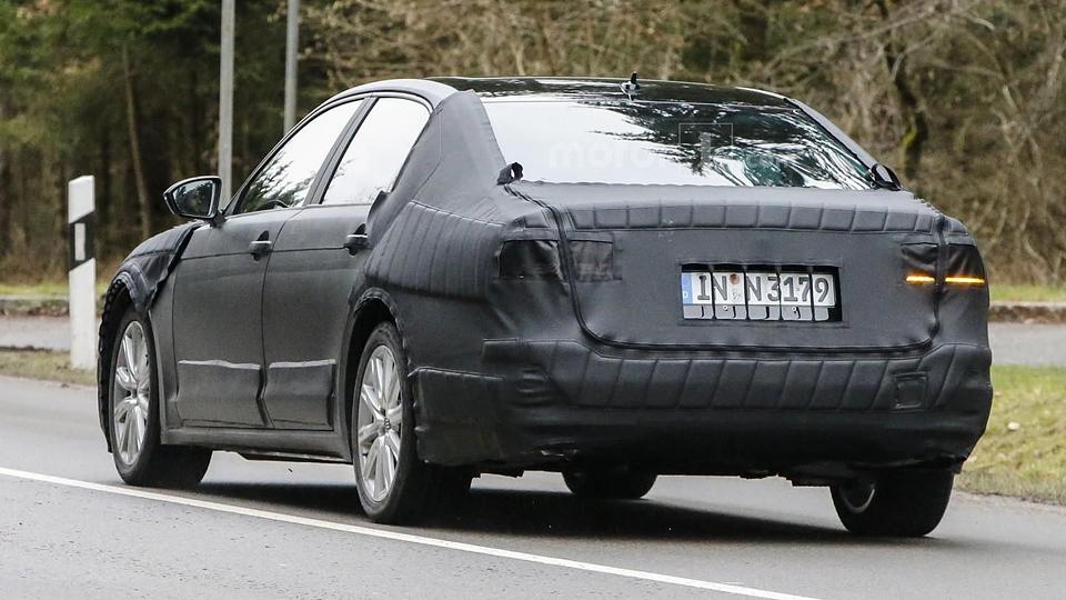 Шпионы сфотографировали прототип следующего Passat CC. Фото 2