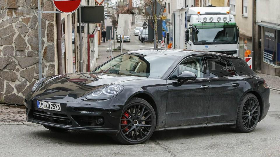 Шпионы сфотографировали универсал Porsche Panamera