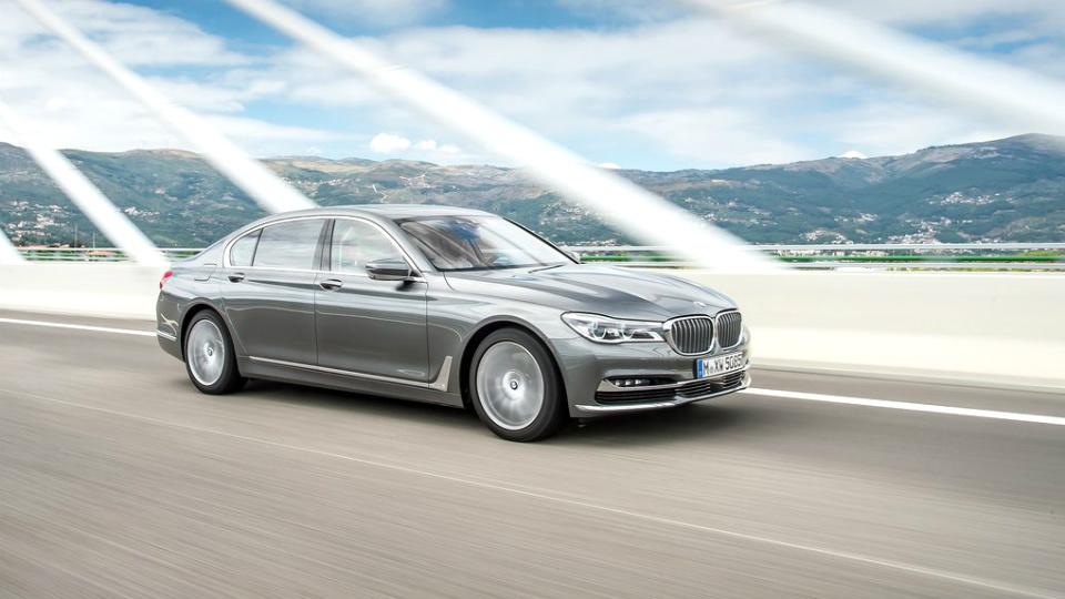 До России добрался BMW 7-Series с бензиновой «шестеркой»