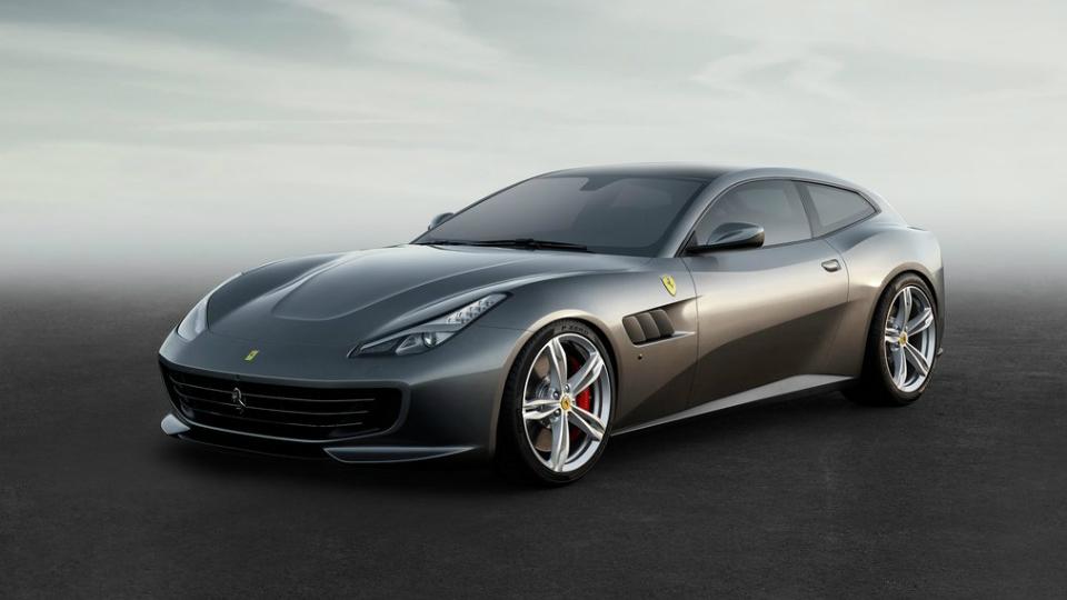 Суперкар Ferrari FF сменил название и стал мощнее