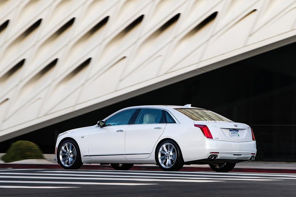 Сможет ли Cadillac навязать борьбу немцам с новым роскошным седаном CT6. Фото 8