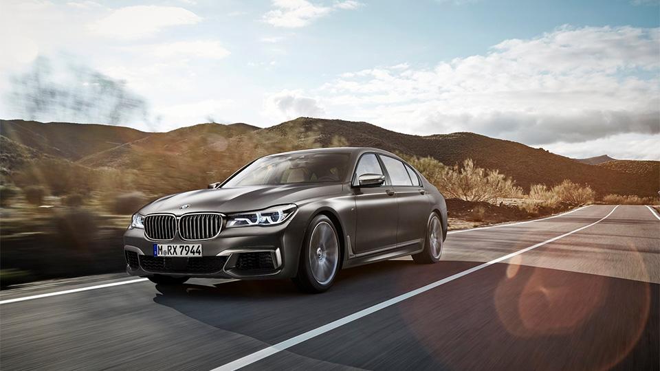 «Семерка» BMW получила 600-сильный мотор V12