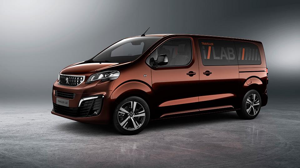 В Peugeot сделали фургон с 32-дюймовым планшетом