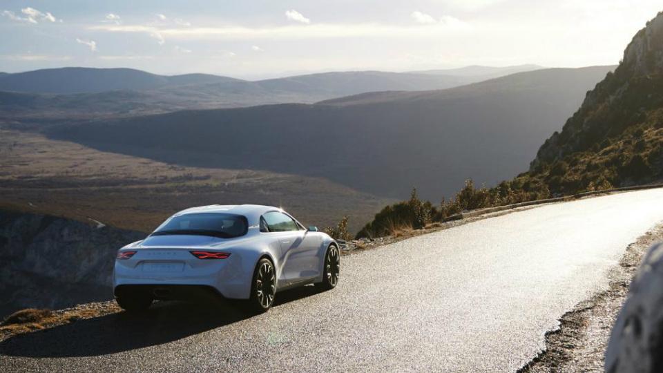 Товарное купе Alpine наберет «сотню» за 4,5 секунды