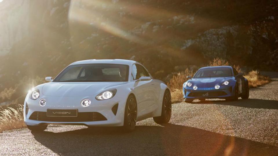 Товарное купе Alpine наберет «сотню» за 4,5 секунды. Фото 1