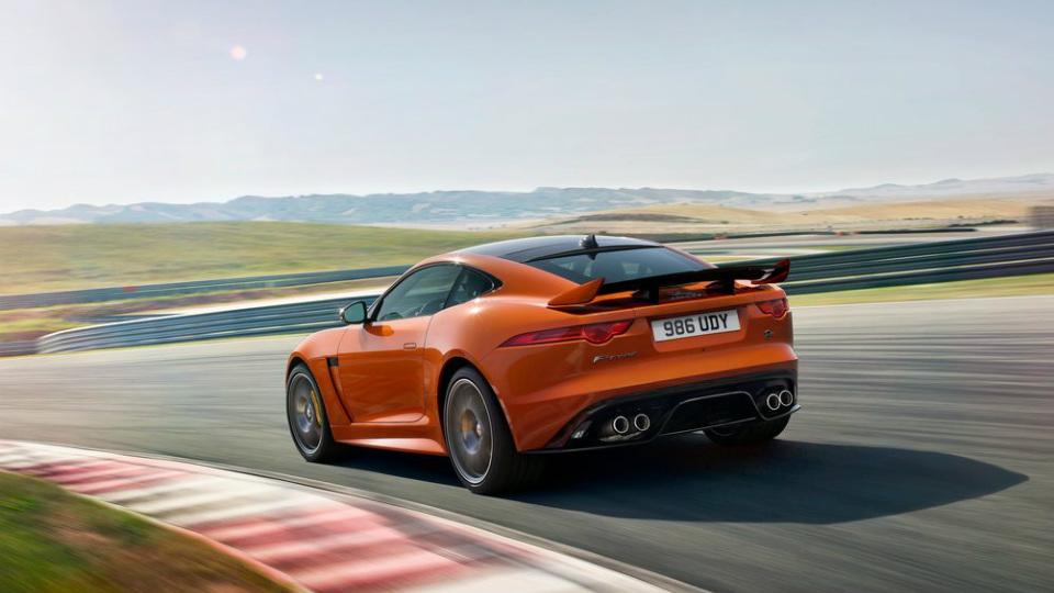 Jaguar F-Type SVR сможет разгоняться до 322 километров в час. Фото 2