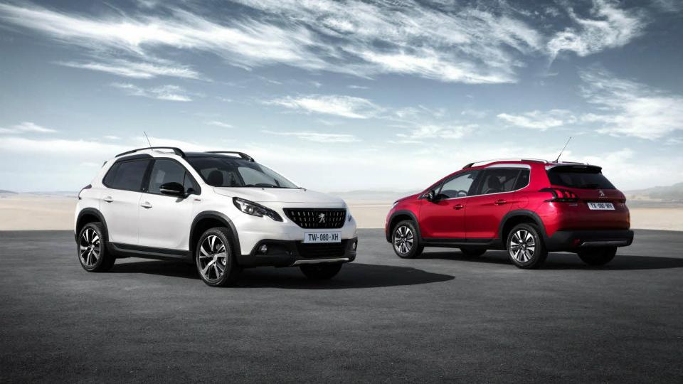 Peugeot 2008 получил мультимедийный комплекс с Apple CarPlay