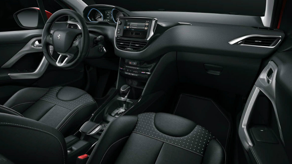 Peugeot 2008 получил мультимедийный комплекс с Apple CarPlay. Фото 1