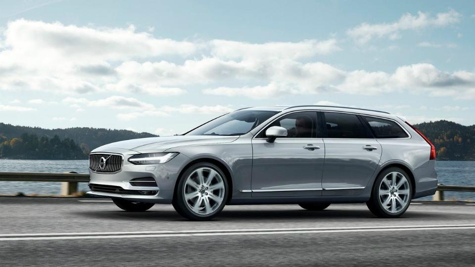 Компания Volvo представила новый универсал