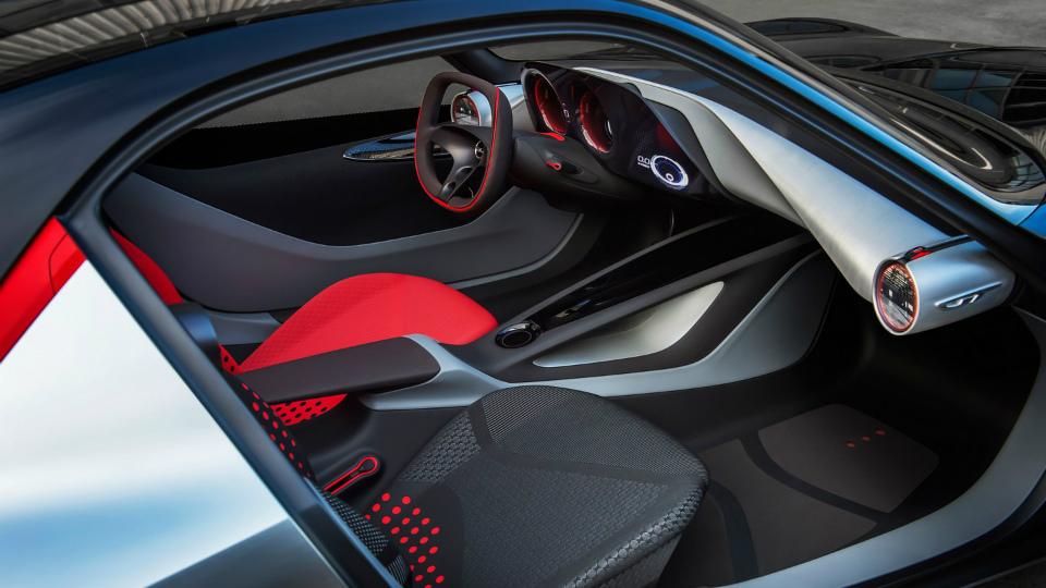 Немцы опубликовали фотографии салона концепт-кара GT