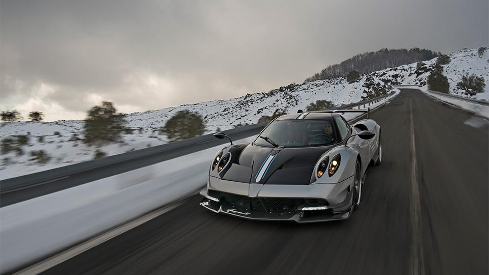 Компания Pagani представила трековый спорткар с 750-сильным двигателем. Фото 5