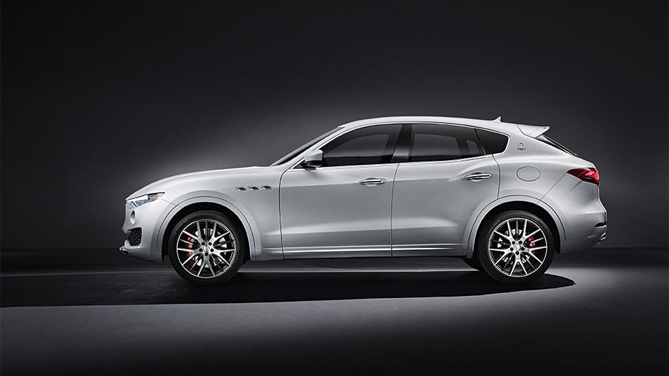 Опубликованы официальные фотографии вседорожника Maserati Levante. Фото 1
