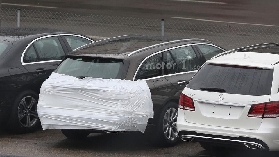 Машину сняли у завода «Мерседеса» с минимумом камуфляжа