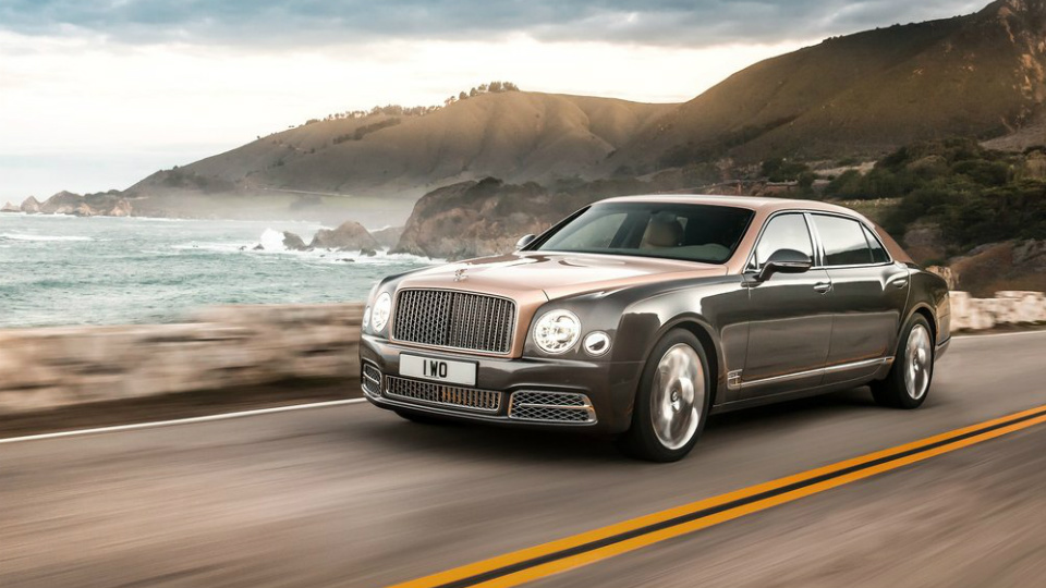 Bentley Mulsanne обновился и получил удлиненную версию