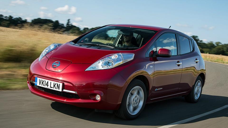 Хакер из Австралии взломал находящийся в Англии Nissan Leaf